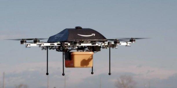 Pour lee syndicat britannique des pilotes de ligne BALPA, les drones entrant dans l'espace aérien des avions de ligne ou de fret doivent être pilotés uniquement par les personnes disposant d'une formation équivalente à celle des pilotes.