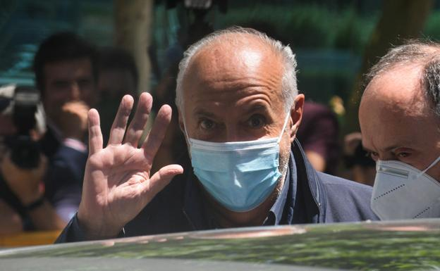 José Luis Moreno upon his departure from the National Court.