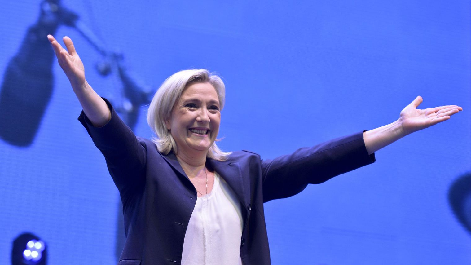 Marine Le Pen (source: L'Express).