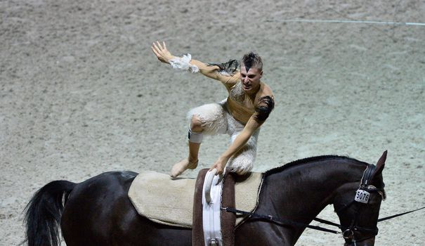 Horse riding: two sisters denounce the grip of a famous champion