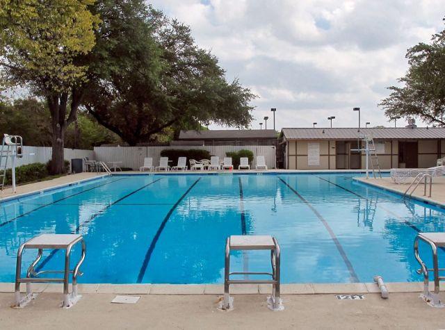 Tennis Pool Club Photo Shoot Location01 Jpeg