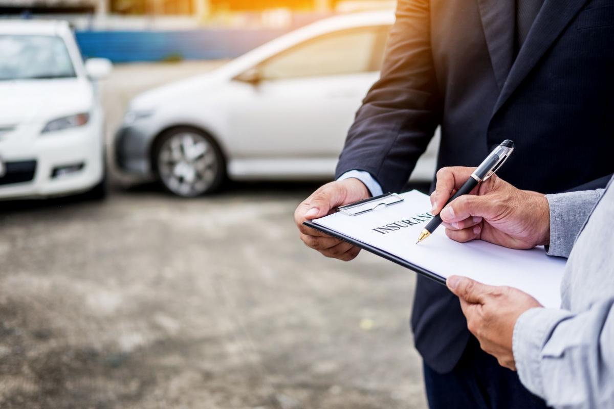 Bảo hiểm xe xe hơi của bạn trước mọi sự cố giật mình đột ngột