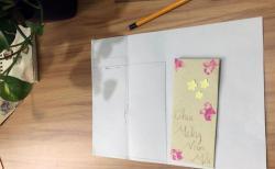 Thiệp handmade rất dễ làm, hãy thử tự tay làm để tặng mẹ nhé!