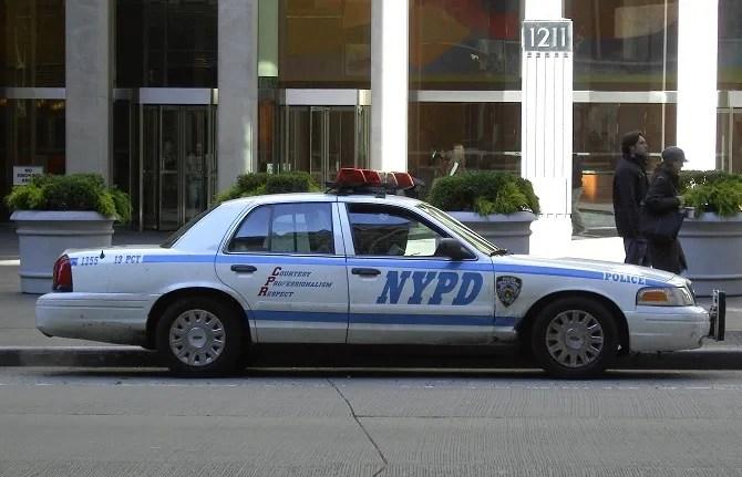 Полицейская машина полиции Нью-Йорка