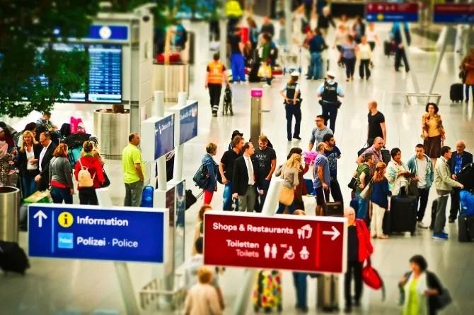 Una VPN può aiutare a risparmiare quando si prenota un volo