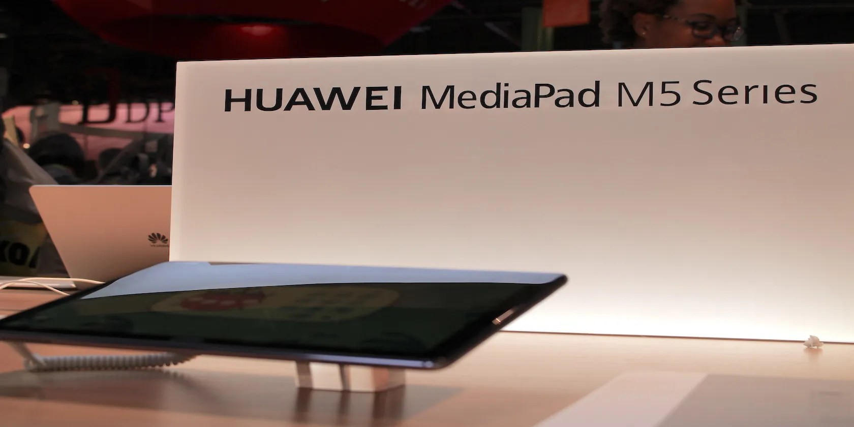 Fotografia di Huawei MediaPad M5 Lite al CES 2019
