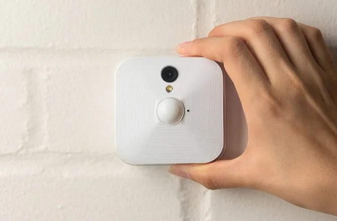 كاميرات مراقبة لاسلكية منزلية