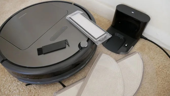 Most Powerful Robot Vacuum Yet, But Is It Good Enough? Roborock E35 Review Roborock Xiaowa E35 Eevrything Included