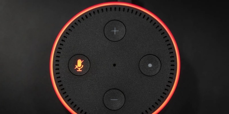 Amazon Alexa con il microfono spento