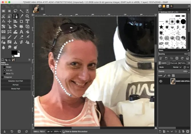GIMP حدد أداة مسارات الوجه