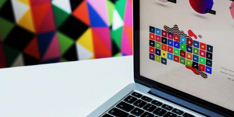 Imagen colorida brillante en una pantalla de MacBook