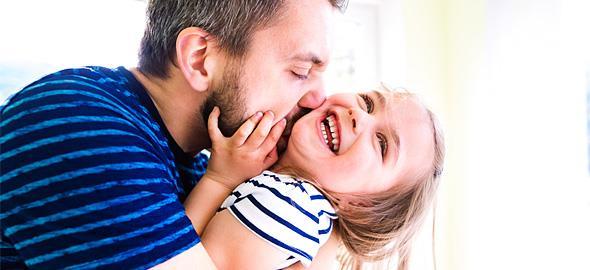 Πώς έκανα την κόρη μου να με λατρεύει: 10 συμβουλές σουπερ μπαμπάδων