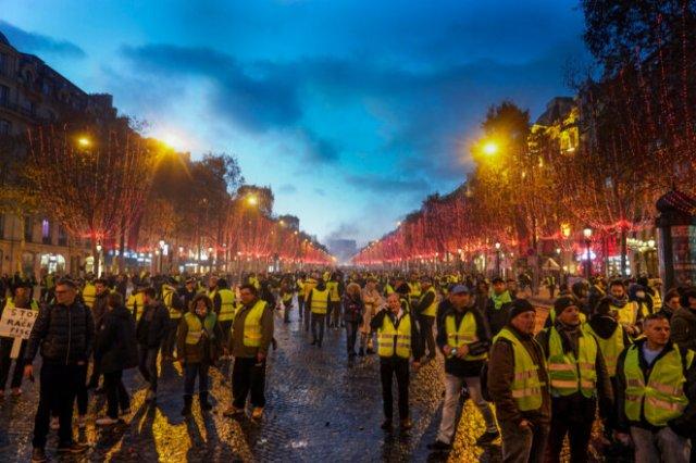 L'acte 2 des gilets jaunes à Paris, le 24 novembre 2018. © Bénédicte Van der Maar / Hans Lucas via AFP