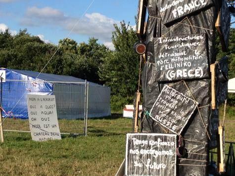 Forum des grands projets inutiles et imposés, à Notre-Dame-des-Landes, 10 juillet 2012 (JL)