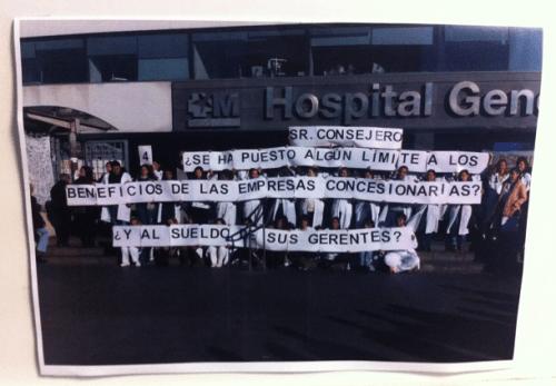 Mobilisation publique à l'hôpital La Paz à Madrid (lire la boîte noire de l'article).