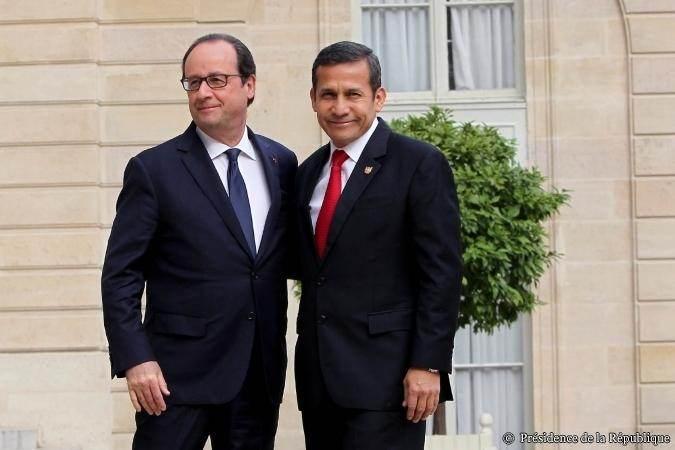 El presidente Ollanta Humala recibido por François Hollande en el Elíseo, el 1 de julio.