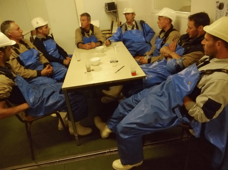 Un avenir compromis aussi pour ces employés de Samsic, l'entreprise de nettoyage prestataire de Tilly