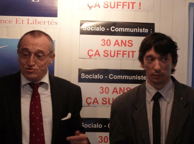 Arnaud Cléré (à droite) avec Paul-Marie Coûteaux, en juin 2013.
