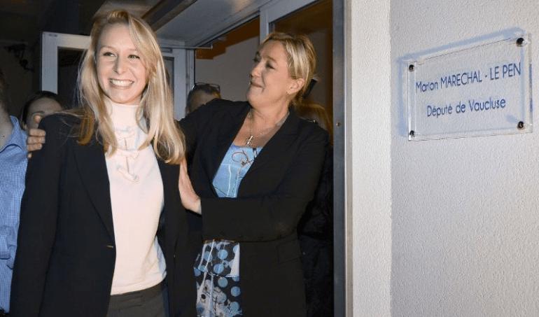 Avec Marine Le Pen lors de l'inauguration de sa permanence, à Carpentras, le 16 novembre 2012.