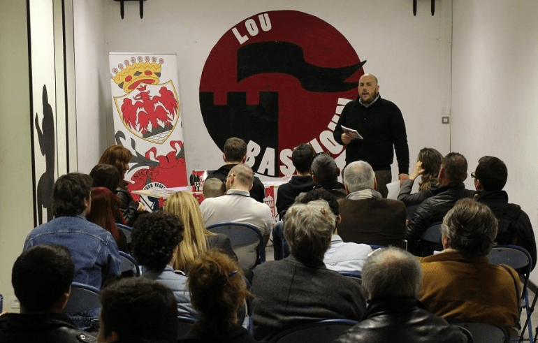 Philippe Vardon, l'un des fondateurs du Bloc identitaire, et leader de Nissa Rebela, leur antenne niçoise.
