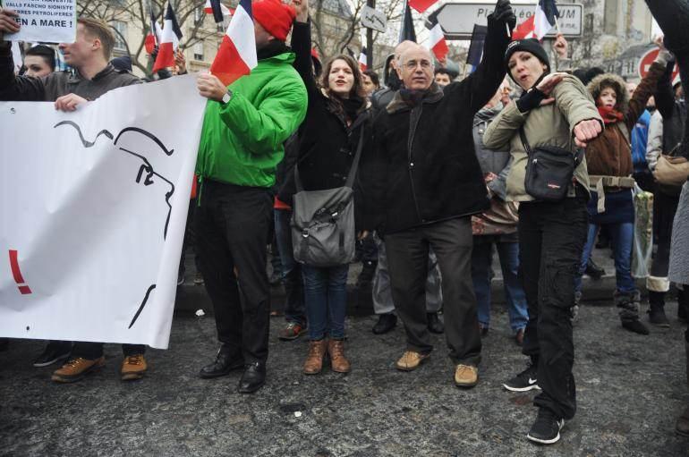 Dimanche, dans la foule, de nombreux manifestants ont fait le geste de la quenelle.