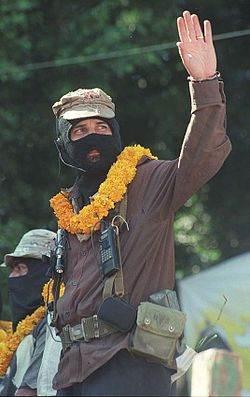 Le sous-commandant Marcos en 2001 pendant la Marche de la couleur de la Terre (Marcha del Color de la Tierra).