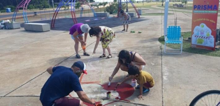Pintaron la Rayuela más grande del mundo en Posadas que une a distintas ciudades de Argentina