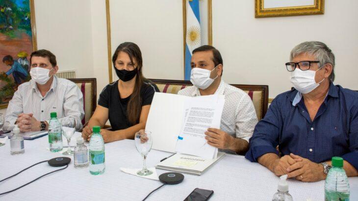 Herrera Ahuad firmó convenios con Enohsa por obras de agua potable para comunidades guaraníes - MisionesOnline