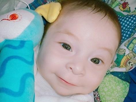 Misiones: Dante tiene 7 meses, padece atresia esofágica y necesita un tratamiento de 20 millones de pesos para poder alimentarse por sus propios medios