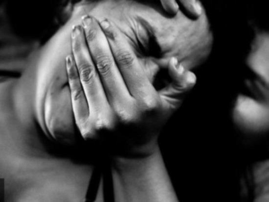 Школьницу изнасиловали в примерочной ТЦ в центре Петербурга