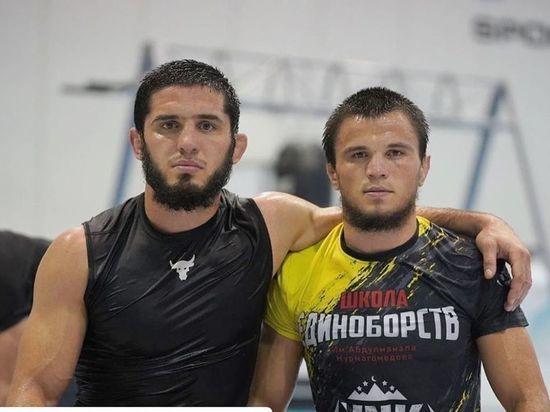 Хабиб остался без братьев на UFC: Махачев улетел в США, Умар заболел