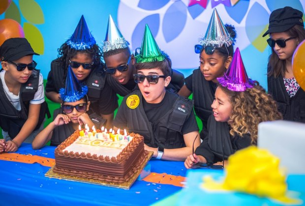 Best Spots To Host A Kid S Indoor Birthday Party In Houston Mommypoppins Things To Do In Houston With Kids