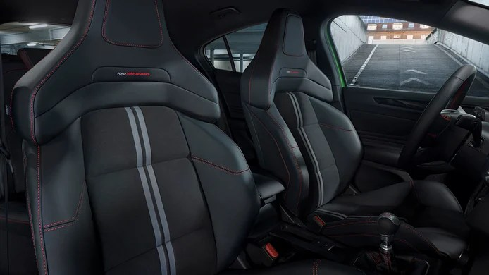 Ford Focus ST 2022 - seats
