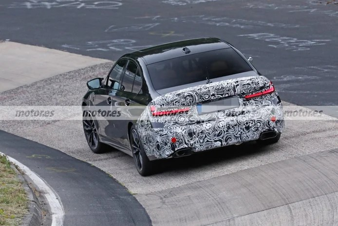 Spy photo BMW M340 Facelift 2023 at Nürburgring - exterior