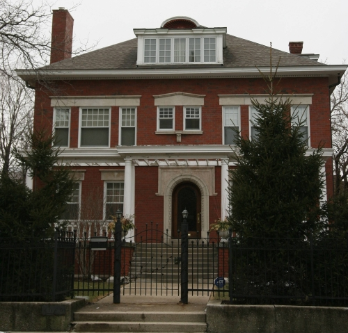0218obamaFRONT Presidential Homes: Beyond the White House (PICS)