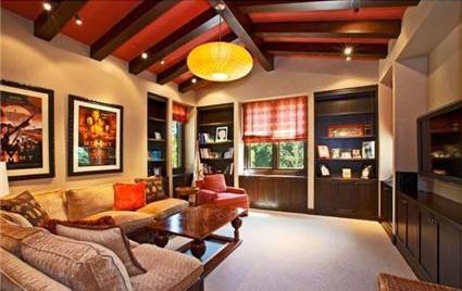 0518britney9 G.I. Joe Director selling Former Britney Spears House (PHOTOS)