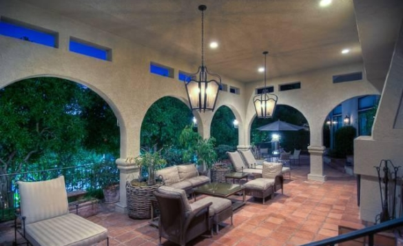 0909oakpass12 Mark Wahlberg Re Lists Beverly Hills Home (PHOTOS)