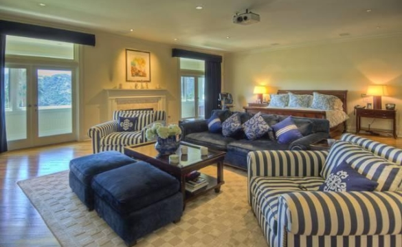 0909oakpass13 Mark Wahlberg Re Lists Beverly Hills Home (PHOTOS)