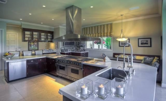 0909oakpass9 Mark Wahlberg Re Lists Beverly Hills Home (PHOTOS)