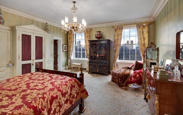 Ny Apartment Below Heiress Huguette