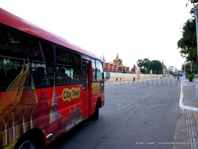 tourist bus Phnom Penh
