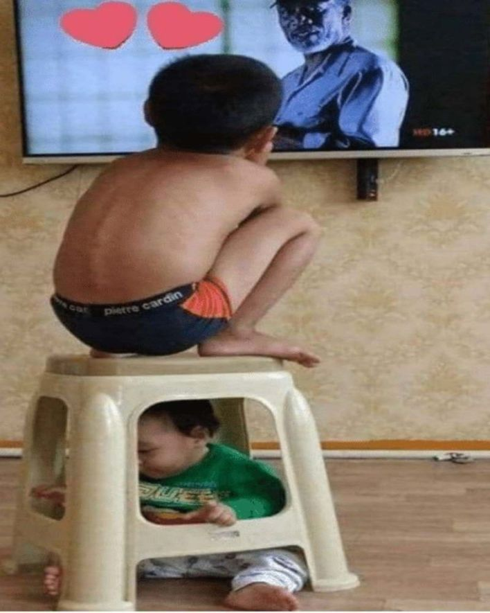 Brother watching his sibling while watching tv, Funny kids, Funny