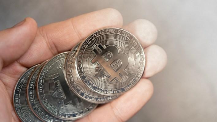 10.000 Finansal Kurum Artık Müşterilerinin Banka Hesapları Üzerinden Bitcoin Almasına, Satmasına ve Tutmasına İzin Verebilir