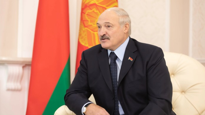 Lukashenko Urges Belarusians to Mine Cryptocurrency Rather Than Pick Strawberries Abroad