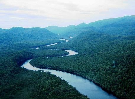 https://i2.wp.com/static.newworldencyclopedia.org/0/0c/Winding_river_tasmania.jpg