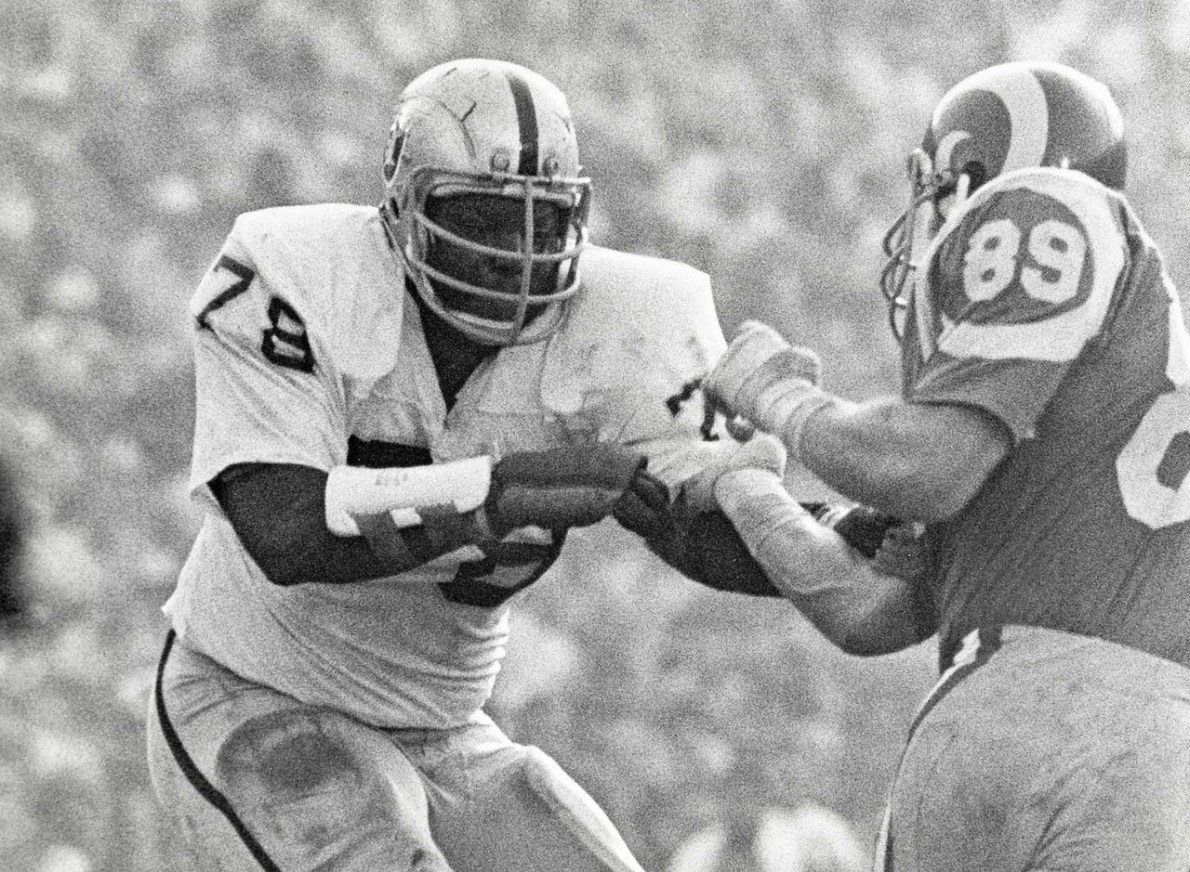Chat Sports: Ranking The 10 Best Players In Oakland Raiders History