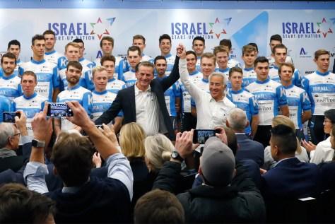 Israel Start-Up Nation opta pelo branco com uma faixa azul