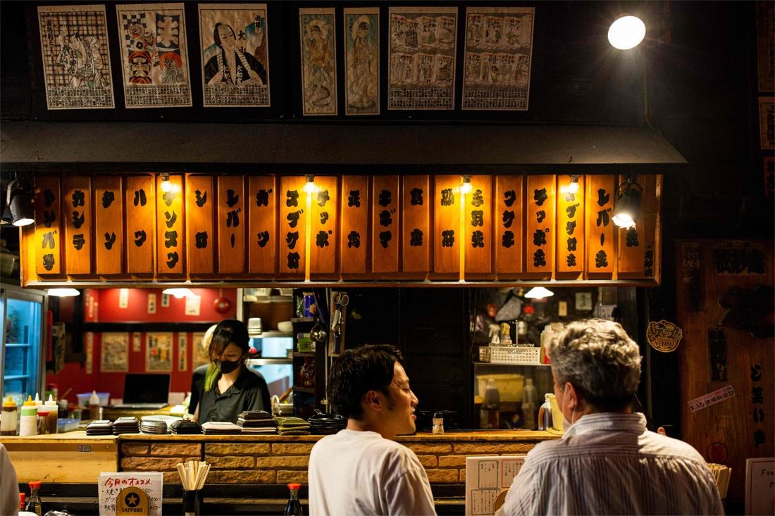 """Japan had het virus onder controle dankzij """"economisch model"""", maar nu slaat corona er net harder toe"""
