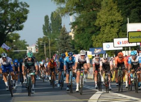 O campeão mundial Mads Pedersen vence a segunda etapa do Tour da Polônia após um forte sprint