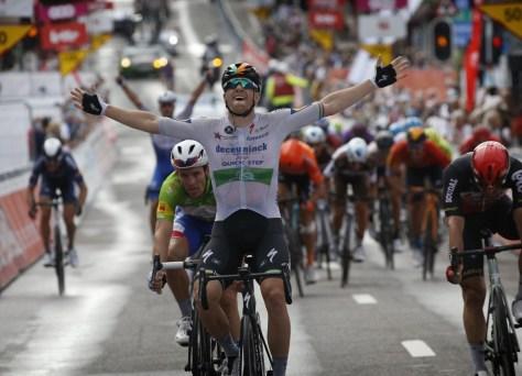 Finalmente alegria novamente em Deceuninck - Quick-Step: Sam Bennett mais rápido no Tour da Valônia